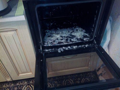 Лопнувшее стекло в духовке