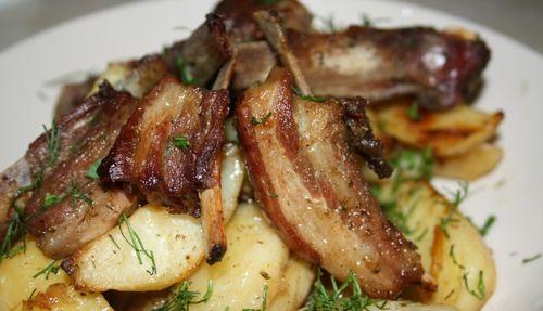 Бараньи ребрышки с картофелем